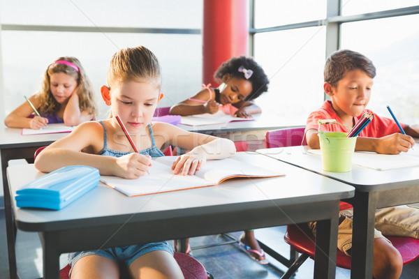 Schulkinder Hausaufgaben Klassenzimmer Schule Mädchen Kind Stock foto © wavebreak_media