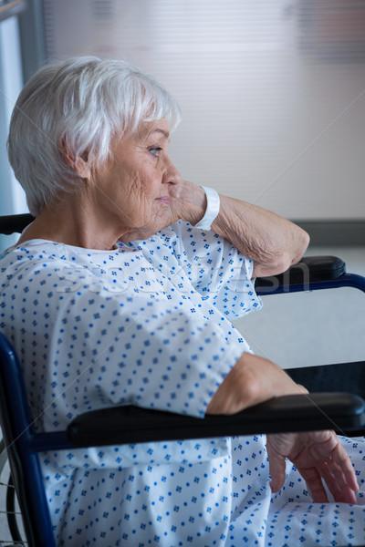 Foto stock: Inválido · senior · paciente · cadeira · de · rodas · hospital · mulher
