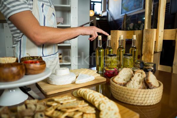 員工 橄欖油 瓶 對付 雜貨 購物 商業照片 © wavebreak_media