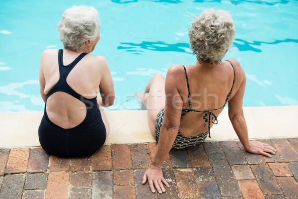 Dois senior mulheres sessão juntos mulher Foto stock © wavebreak_media