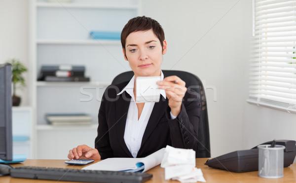 事務員 会計学 オフィス 女性 紙 笑顔 ストックフォト © wavebreak_media