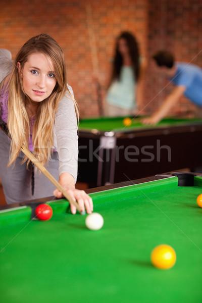 Portre genç kadın oynama snooker öğrenci ev Stok fotoğraf © wavebreak_media