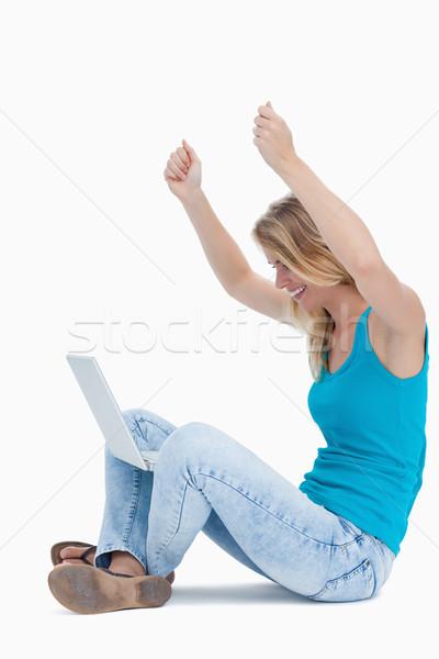女性 腕 空気 ノートパソコン 脚 幸せ ストックフォト © wavebreak_media