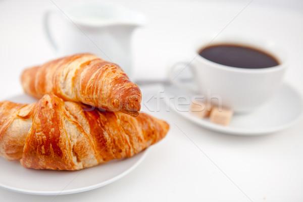 два круассаны Кубок кофе белый пластин Сток-фото © wavebreak_media