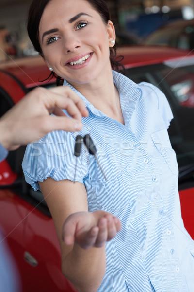 Kadın gülümsüyor araba alışveriş yol Stok fotoğraf © wavebreak_media