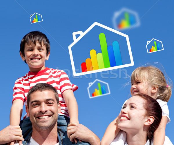 Rodziców dzieci na barana energii wydajny domu Zdjęcia stock © wavebreak_media