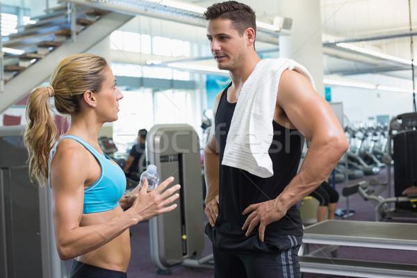 Vücut geliştirme adam kadın konuşma birlikte spor salonu Stok fotoğraf © wavebreak_media