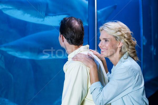 Boldog pár néz hal tank akvárium Stock fotó © wavebreak_media