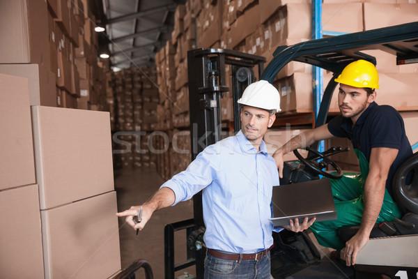 Stock fotó: Raktár · menedzser · beszél · targonca · sofőr · férfi