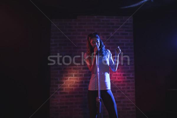 Kobiet piosenkarka muzyki koncertu kobieta Zdjęcia stock © wavebreak_media