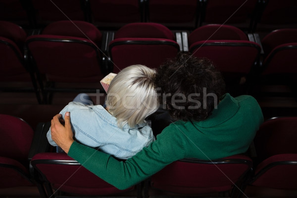 вид сзади пару попкорн смотрят фильма театра Сток-фото © wavebreak_media