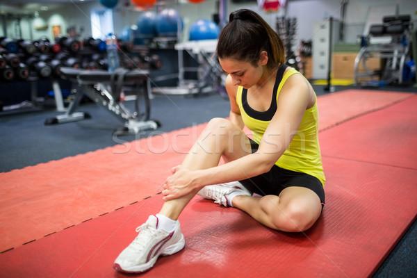Kobieta ranny nogi siłowni sportu Zdjęcia stock © wavebreak_media