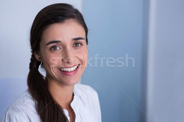 портрет улыбаясь пациент медицинской клинике телефон Сток-фото © wavebreak_media