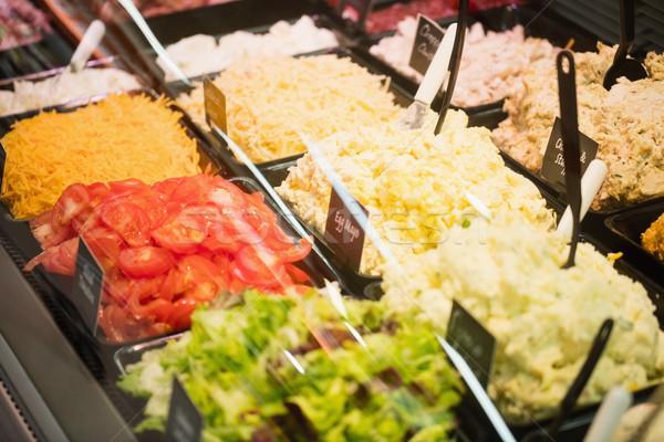 Focus salade supermarkt winkelen kaas Stockfoto © wavebreak_media