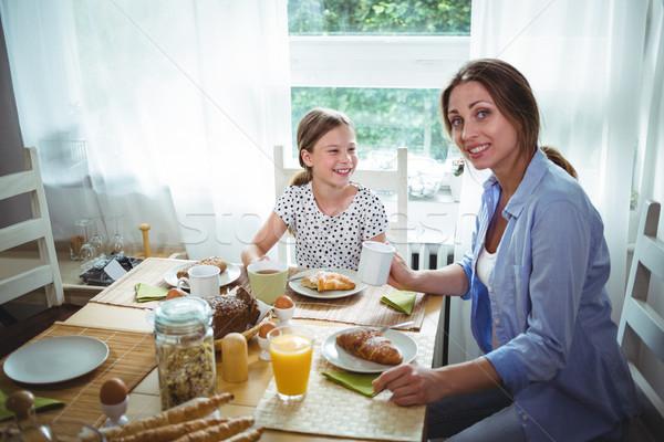 Moeder dochter ontbijt home liefde man Stockfoto © wavebreak_media