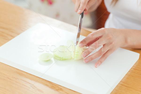 Zachwycony kobieta kuchnia domu żywności uśmiech Zdjęcia stock © wavebreak_media