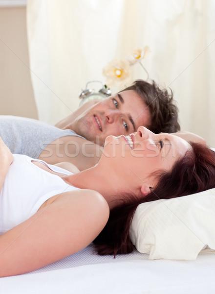 Portrait ravi femme enceinte mari lit maison Photo stock © wavebreak_media