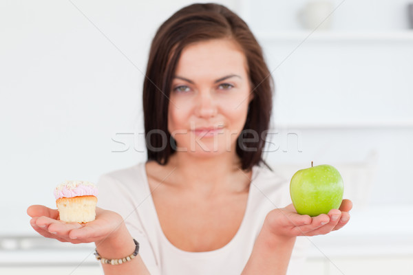 Stockfoto: Charmant · brunette · appel · stuk · cake · naar