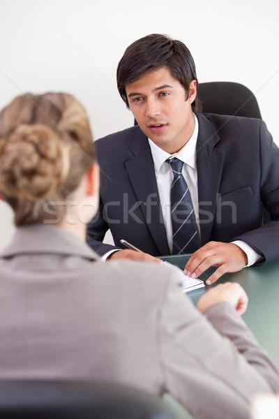 Portret ernstig manager vrouwelijke aanvrager kantoor Stockfoto © wavebreak_media