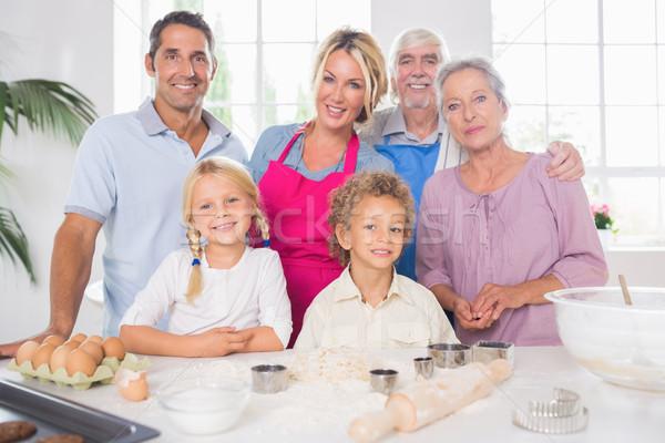 Сток-фото: семьи · приготовления · вместе · кухне · человека · счастливым
