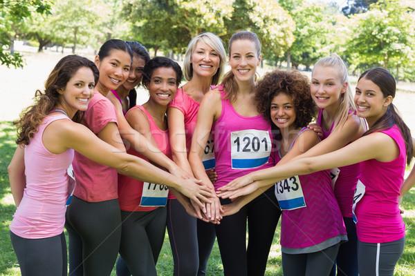 Femenino cáncer de mama maratón manos retrato Foto stock © wavebreak_media