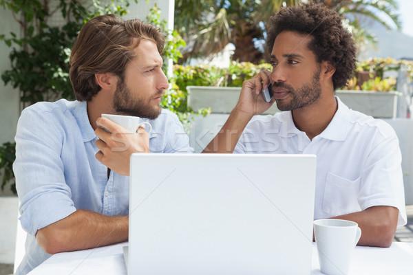 Stock fotó: Kettő · barátok · élvezi · kávé · együtt · laptop