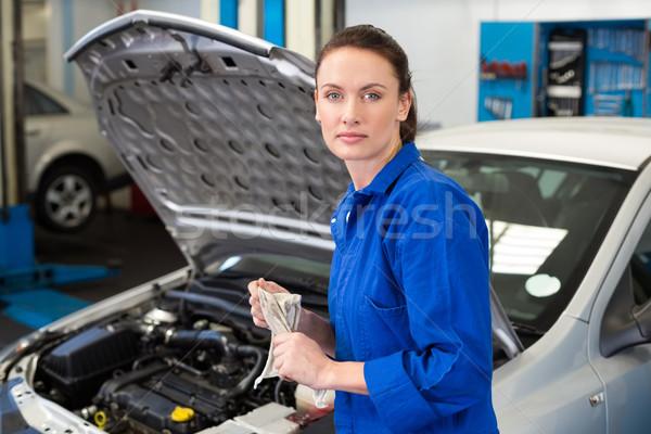 Stockfoto: Monteur · handen · vod · reparatie · garage · dienst