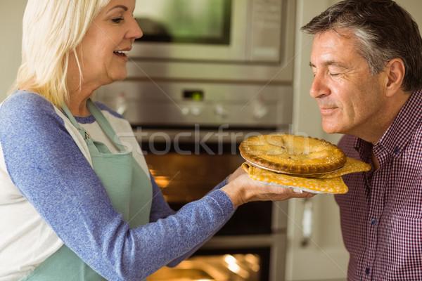 Maturité fraîches tarte mari Photo stock © wavebreak_media