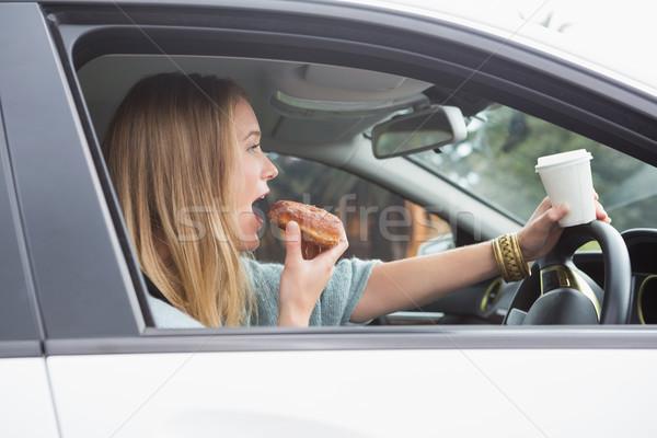кофе пончик автомобилей женщину окна Сток-фото © wavebreak_media