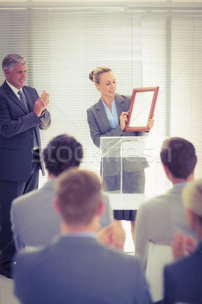 Joli femme d'affaires prix femme heureux Photo stock © wavebreak_media