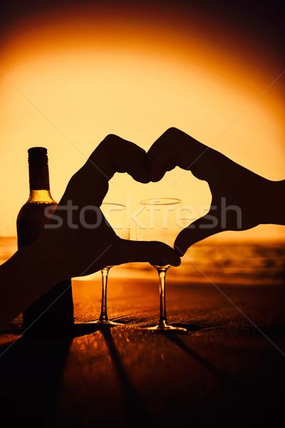 összetett kép pár készít szív alak kezek Stock fotó © wavebreak_media