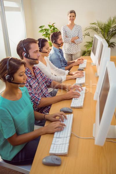 Gerente trabalhar call center retrato feminino negócio Foto stock © wavebreak_media