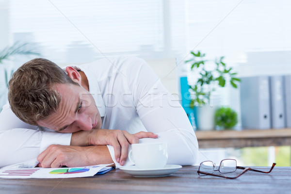 ストックフォト: 疲れ果てた · ビジネスマン · 寝 · デスク · オフィス · ビジネス