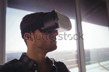 Imprenditore virtuale realtà tecnologia ufficio business Foto d'archivio © wavebreak_media