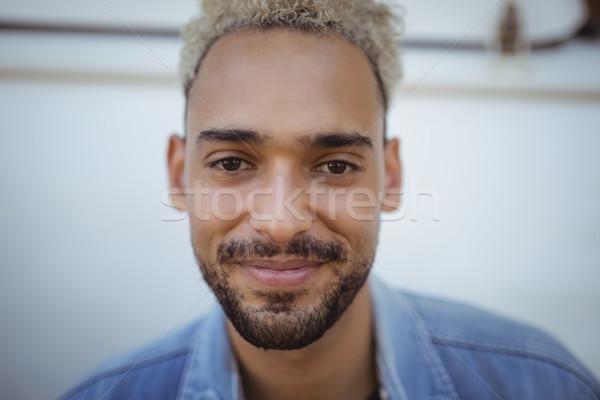 Portret człowiek van uśmiechnięty młody człowiek podróży Zdjęcia stock © wavebreak_media