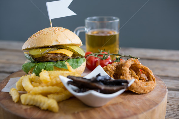 Photo stock: Légumes · frit · alimentaire · Burger · bière · table