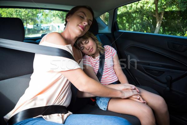 Anya lánygyermek megnyugtató hát ülés autó Stock fotó © wavebreak_media