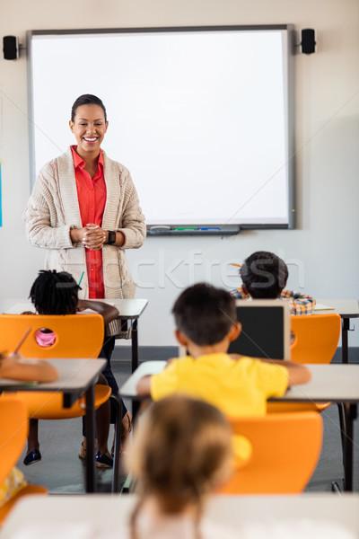 учитель урок студентов школы женщину девушки Сток-фото © wavebreak_media
