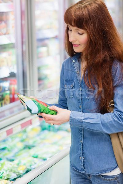 Cliente produto congelada corredor supermercado Foto stock © wavebreak_media