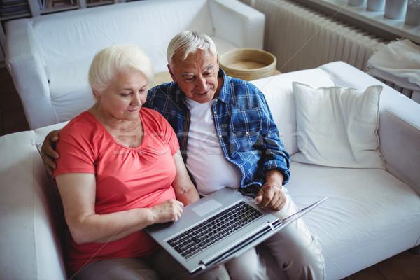 Zdjęcia stock: Starszy · para · za · pomocą · laptopa · domu · komputera · kobieta · człowiek