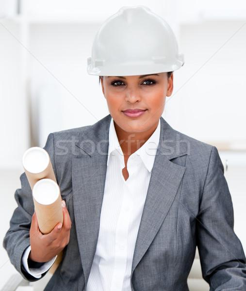 Női építész tart tervrajzok portré építkezés Stock fotó © wavebreak_media