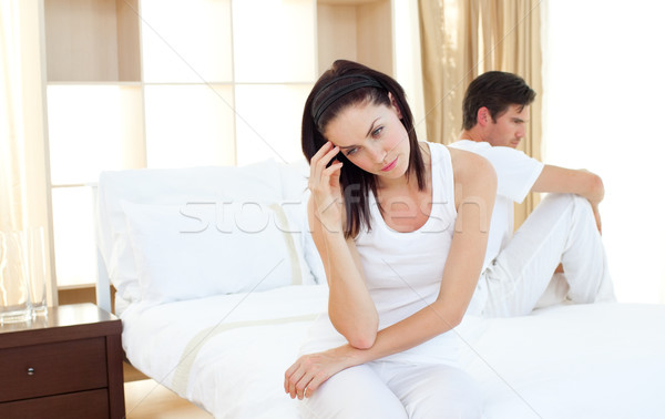 Ontdaan paar bevinding uit resultaten zwangerschaptest Stockfoto © wavebreak_media