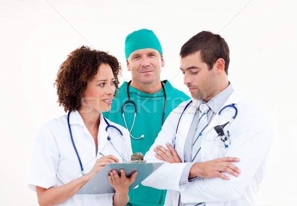 Jeunes médicaux équipe discussion blanche hôpital Photo stock © wavebreak_media