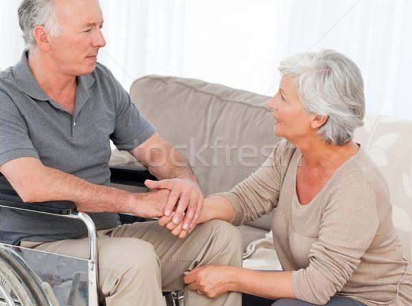 Femme mari fauteuil roulant espace âgées rire Photo stock © wavebreak_media