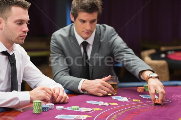 на двоих играть в казино