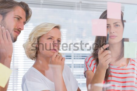 Iki arkadaşları bakıyor yaratıcı ofis Stok fotoğraf © wavebreak_media