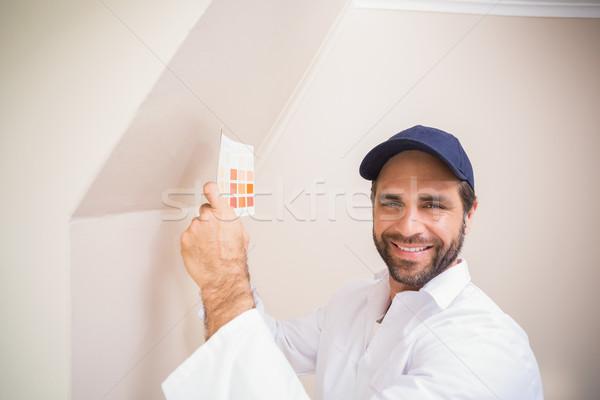 Malarz konsultacji kolor wykres domu Zdjęcia stock © wavebreak_media