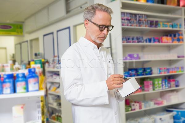 Centrado farmacéutico escrito cuadro medicina farmacia Foto stock © wavebreak_media