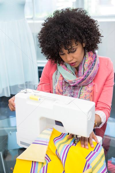 Moda tasarımcı dikiş makinesi çekici kadın iş kadın Stok fotoğraf © wavebreak_media