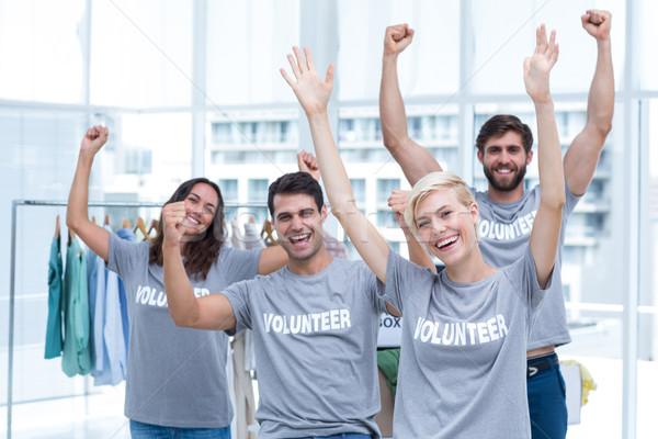 Boldog önkéntesek barátok karok portré nő Stock fotó © wavebreak_media